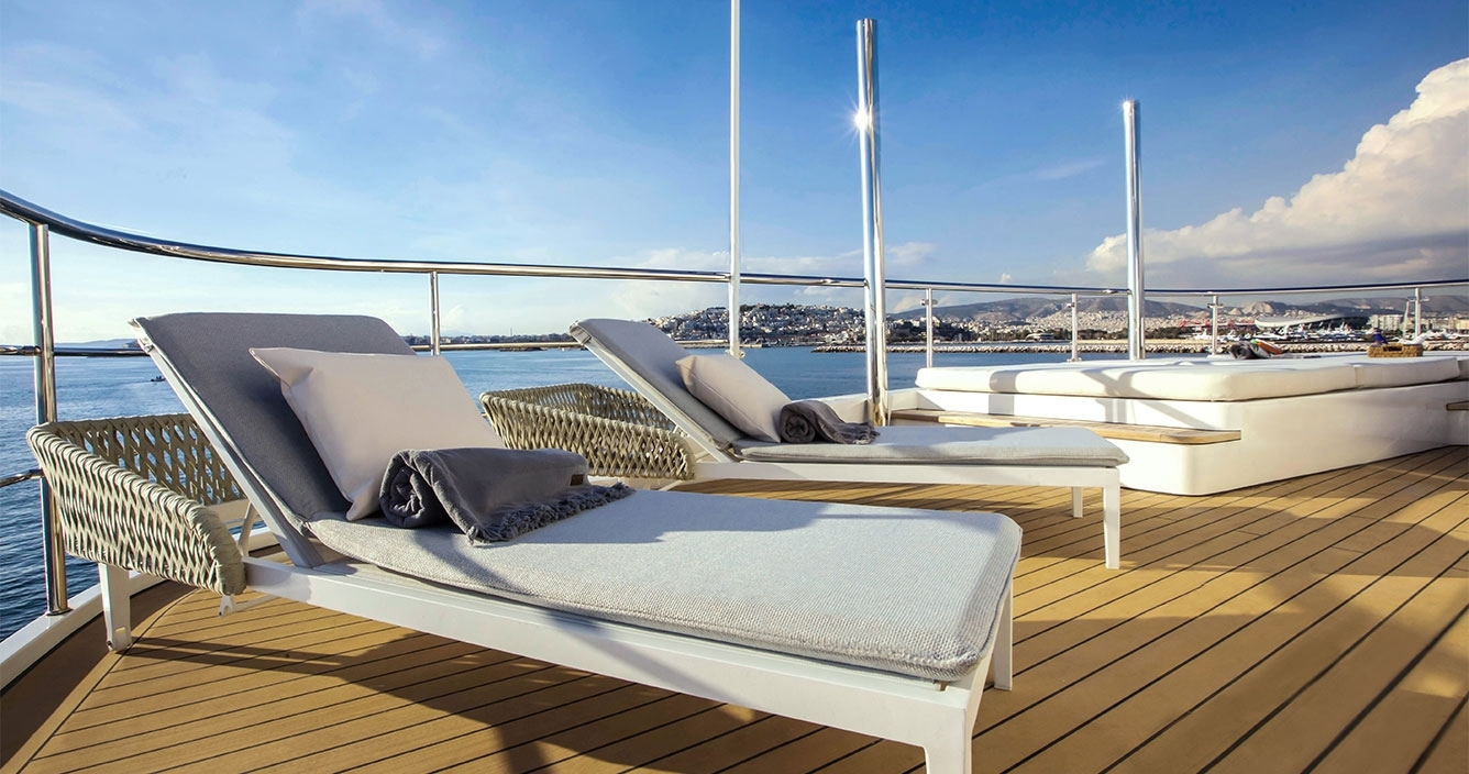 Aspire Sun Deck Jacuzzi Area
