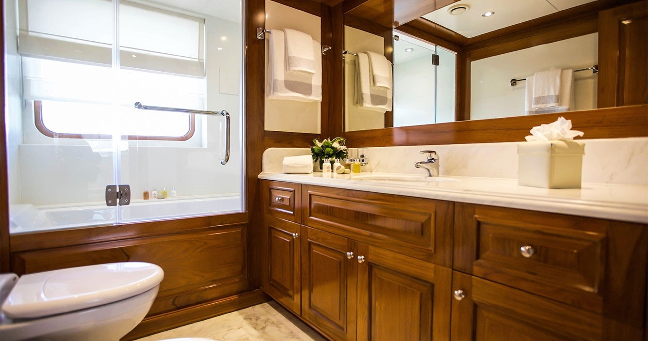 Aspire Upper Deck Owners Bathroom
