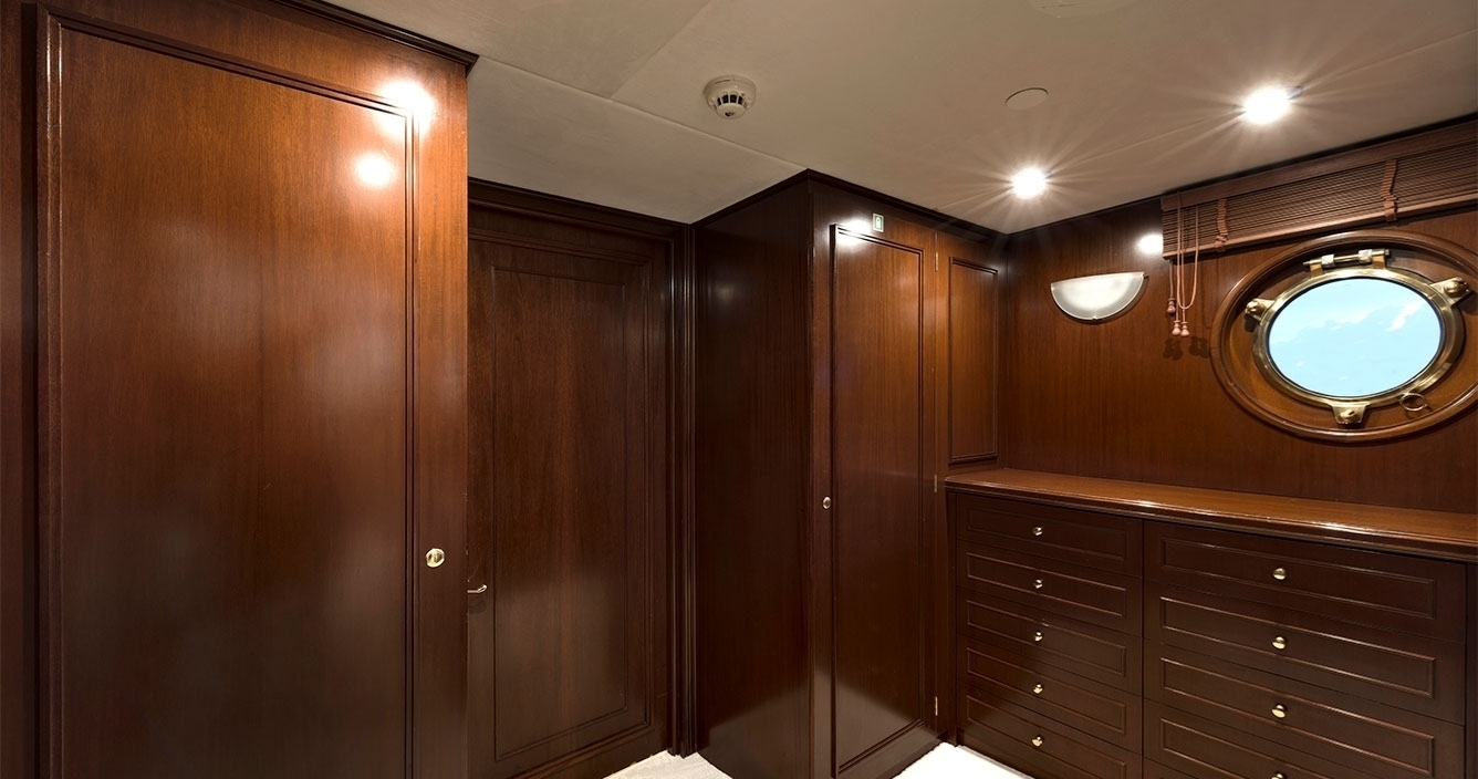Chakra B Deck Owners Walk-in Closet