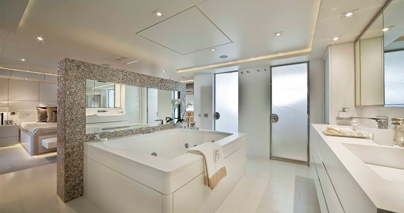 Light Holic Master Cabin Bathroom