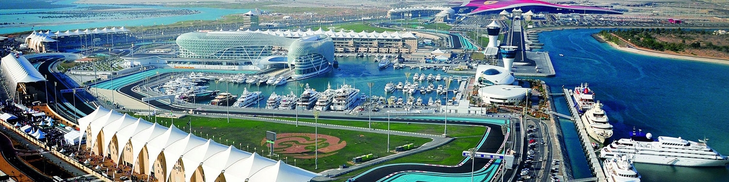 abu-dhabi-grand-prix-experience-the-abu-dhabi-grand-prix-from-your-superyacht-deck-2