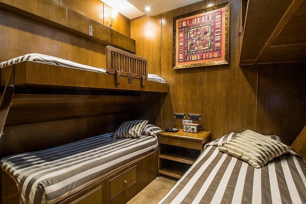 ARKTOS Twin Cabin with Pullman